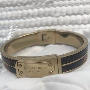 MICHAEL KORS BANGLE GOLD AND TORTOISE S/M